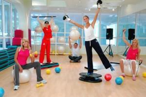 Танцевальная программа в фитнес-клубе X-Fit